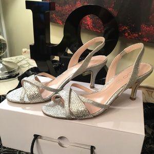 Aldo Zalaria Silver Sandal Kitten-style heel